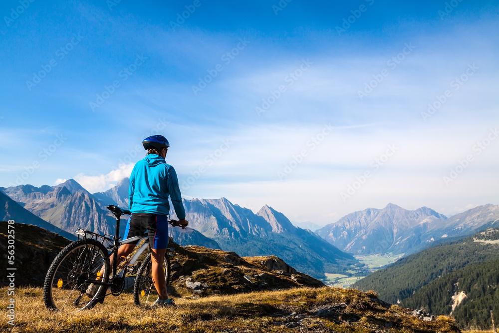 Fototapeta Mountain biker