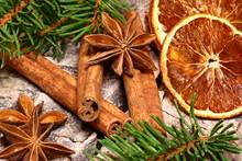 Weihnachtsgewürze, Orangenscheiben, Zimt, Anis