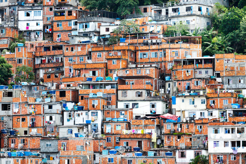 La pose en embrasure Rio de Janeiro Favela, Brazilian slum in Rio de Janeiro