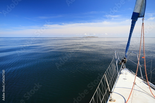 Foto op Plexiglas Zeilen Sailboat yacht sailing in blue sea. Tourism