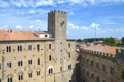 Fototapeta Wspaniały pejzaż starego miasta w Volterra w Toskanii, Włochy obraz