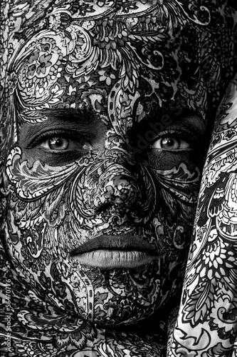 cyrk-twarz-sztuka-kobieta-z-bliska-portret