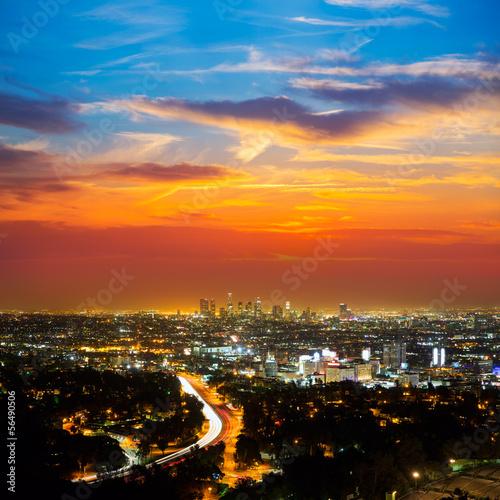 Staande foto Los Angeles Downtown LA night Los Angeles sunset skyline California
