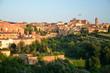 Malowniczy pejzaż zachodu słońca w Sienie w Toskanii, Włochy