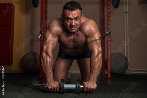 Fotografie, Obraz  Working Out With Ab Roller