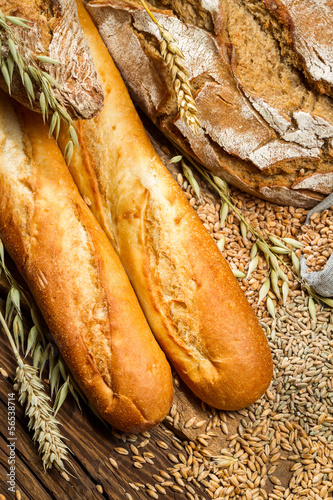 Fototapety, obrazy: Different types of bread with ears grain