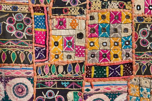 antyczne-indyjskie-tkaniny-szyte-wzor