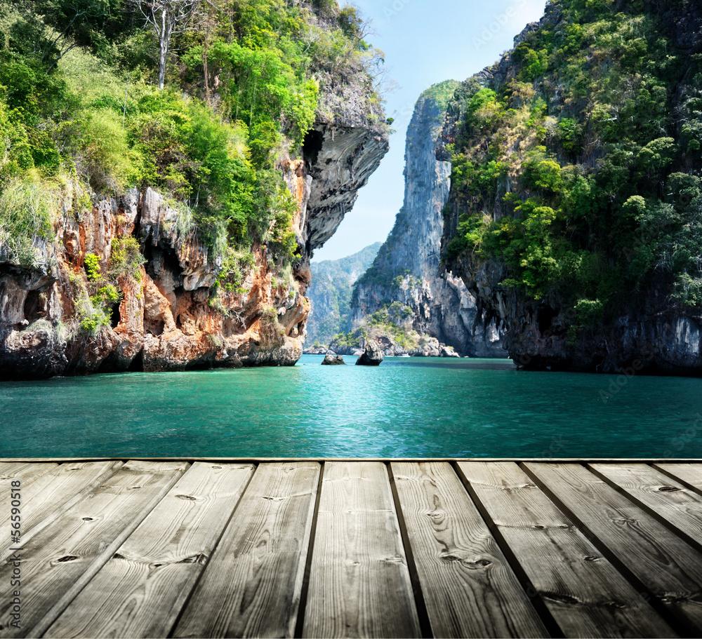 Fototapeta rocks on railay beach in Krabi, Thailand