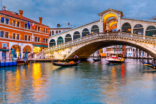 Poster Venise Rialto Bridge at dusk
