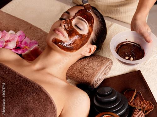 Fotografie, Obraz  Spa terapie pro ženy přijímající kosmetické masky