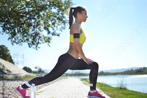 Fotografie, Obraz  woman working out in the park