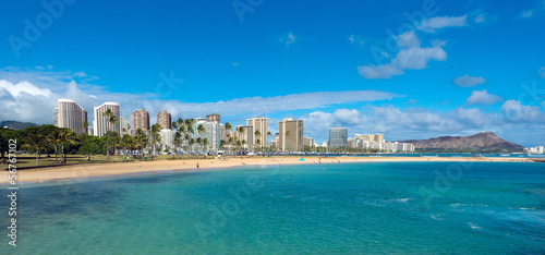 Fotografie, Obraz  Ala Moana Beach Park on a nice day with Waikiki and Diamond Head