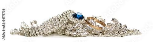 Fotografía  Shinny jewellery, isolated on white