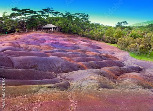 slynna-turystyczna-miejscowosc-mauritius-ma-siedem-kolorow