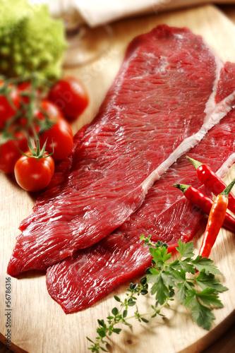 Staande foto Vlees raw beef meat fillets