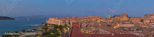 Foto op Aluminium Oude gebouw Panoramic shot of Corfu city with blue cloudy sky. At sunset. Ke