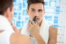 Man Remove Hair From His Nose