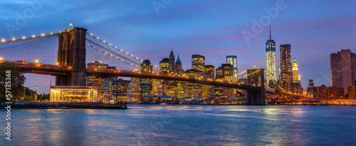 panorama-most-brooklynski-z-swiatlami-i-odbiciami