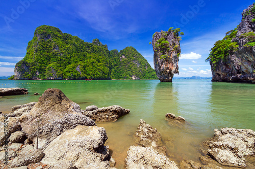 Deurstickers Olijf Ko Tapu rock on James Bond Island, Phang Nga Bay in Thailand