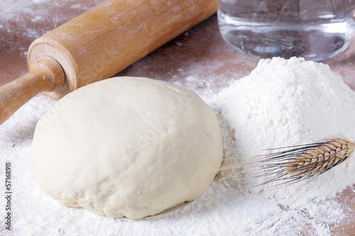 Obraz na płótnie Pagnotta di farina per pasta fresca
