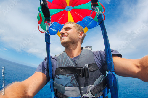 Fotografie, Obraz  Parasailing Over Ocean in Hawaii
