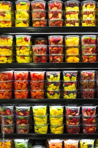 wyswietlanie-owocow-cietych-na-rynku