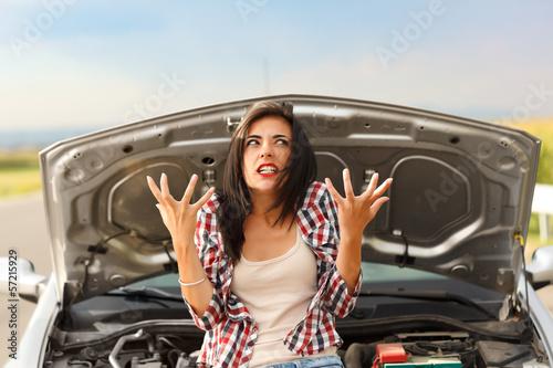 Papel de parede Madness due to broken car