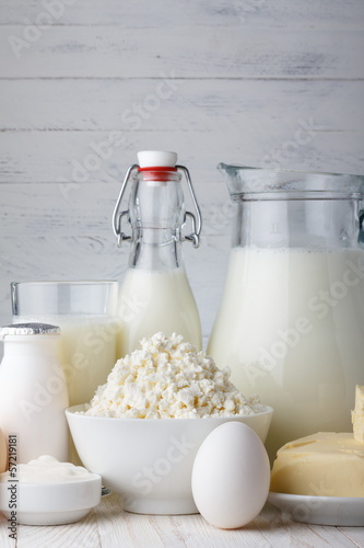 Staande foto Zuivelproducten Dairy products on wooden table close-up
