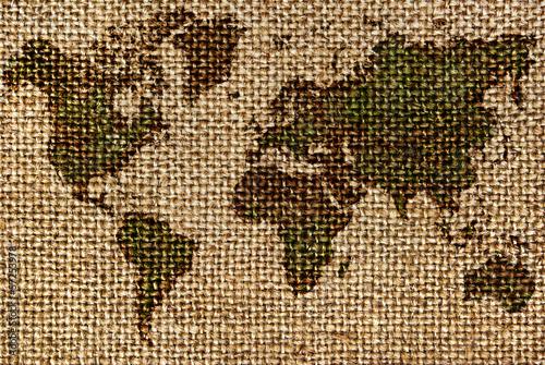 mapa-swiata-narysowana-na-szorstkich-starych-tkaninach
