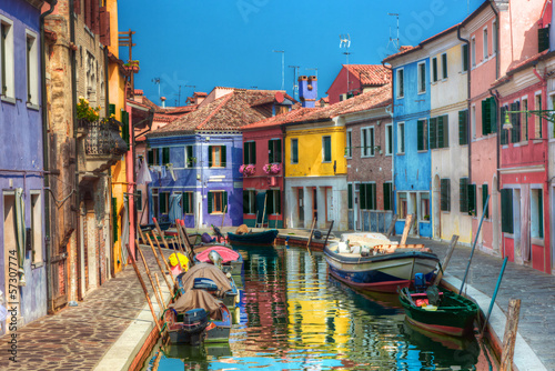 Foto op Plexiglas Venetie Colorful houses and canal on Burano island, near Venice, Italy.