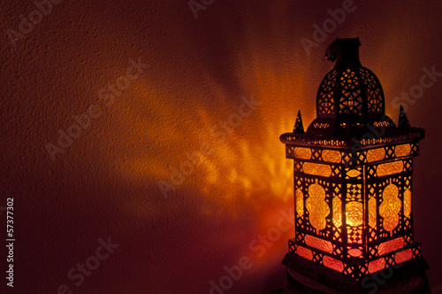Poster Maroc Moroccan lantern with gold colored glass