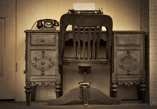 Antique Desk With Rotary Dial ...
