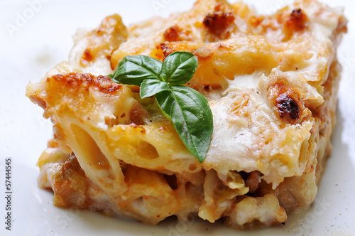 Foto op Canvas Brood rigatoni pasta gratin