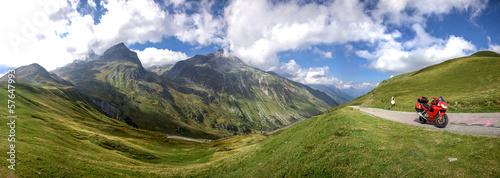 panoramique de ballade en moto en montagne col du glandon Canvas Print