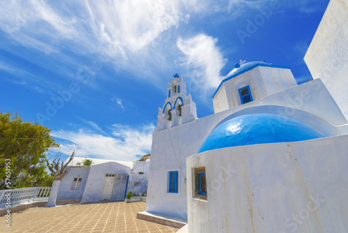 Staande foto Tunesië Greece Santorini island wide angle view of colorful church with