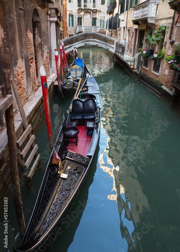 Spoed Foto op Canvas Gondolas Quiet Canal with Two Gondolas