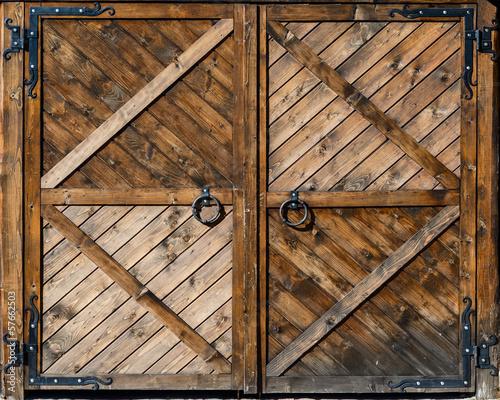 stara-drewniana-brama