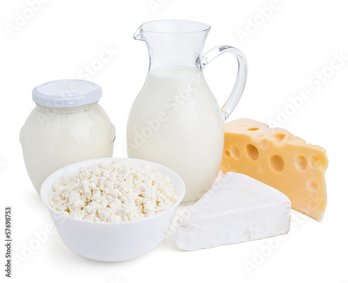 Fotografía  dairy products isolated on white