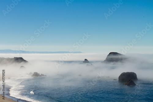 Papiers peints Cote morning fog along coast at Brookings, Oregon