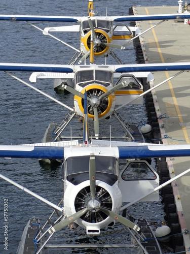 morskie-samoloty-na-molo