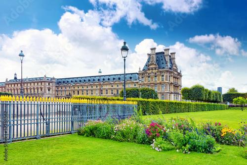 Staande foto Praag Park des Tuileries and the Louvre Museum.Paris, France