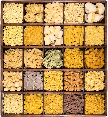 Fotografija  pasta italiana in bacheca