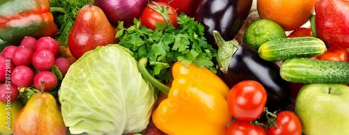 Foto op Plexiglas Groenten background of ripe fruit and vegetables