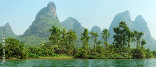 Tuinposter Guilin Limestone peaks in Yangshuo, Guilin, China