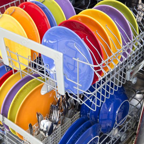 Fotografia  Open dishwasher