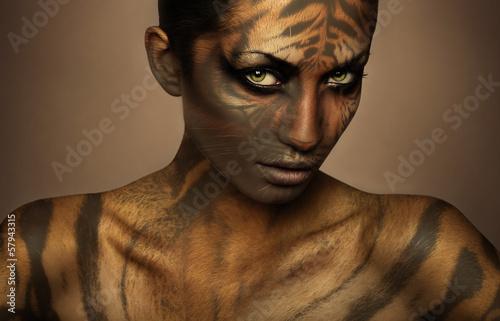 Foto op Plexiglas Tijger attractive sexy tiger woman