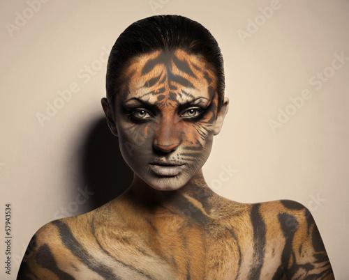 Obraz w ramie sexy tiger woman