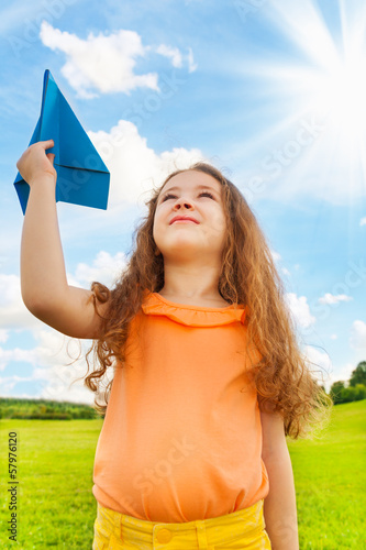 Foto op Canvas Luchtsport 6 years old girl with paper plane