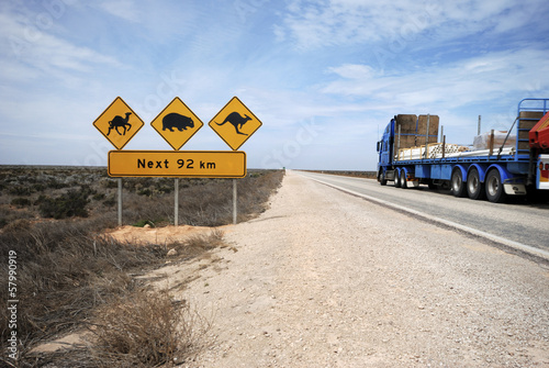 Foto op Canvas Australië Road train on the Eyre Highway