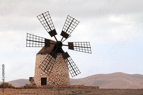 Fotobehang Molens Moulin de Puesta del sol de Tefia (Fuerteventura - Espagne)